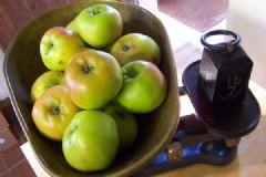 How to make Spiced Apple Chutney